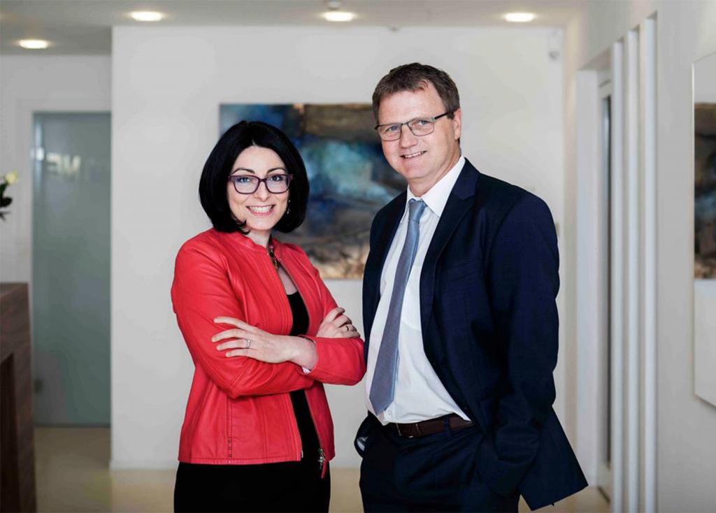 Portraitfoto der Vorstandsmitglieder: Frau Mag. Elham Ettehadieh und Herrn Andreas Fellner, MSc